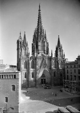 Façana Principal i Cimbori de la Catedral de Barcelona