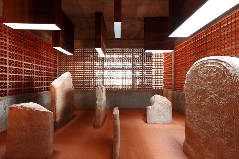 Espai Transmissor del Túmul/Dolmen Megalític de l'any 2800 A.C.