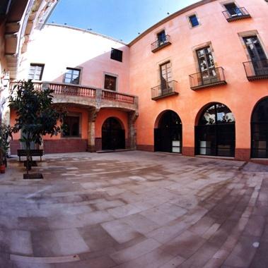 Rehabilitation of the Pati Llimona and Correu Vell Palaces