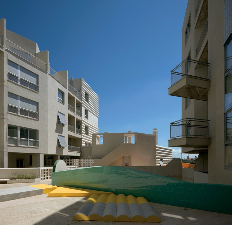Torre-Sana Social Housing Block