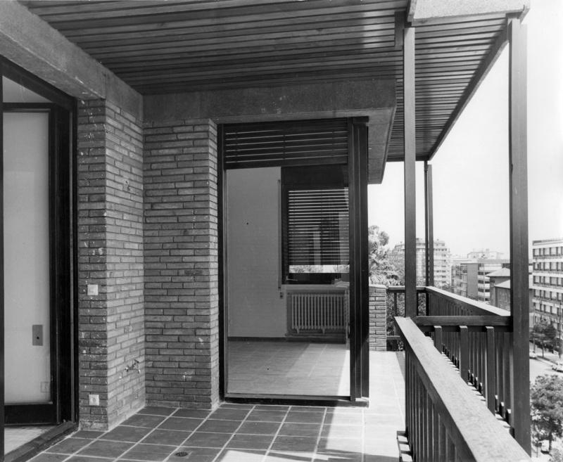 Edifici d'Habitatges Via Augusta 242