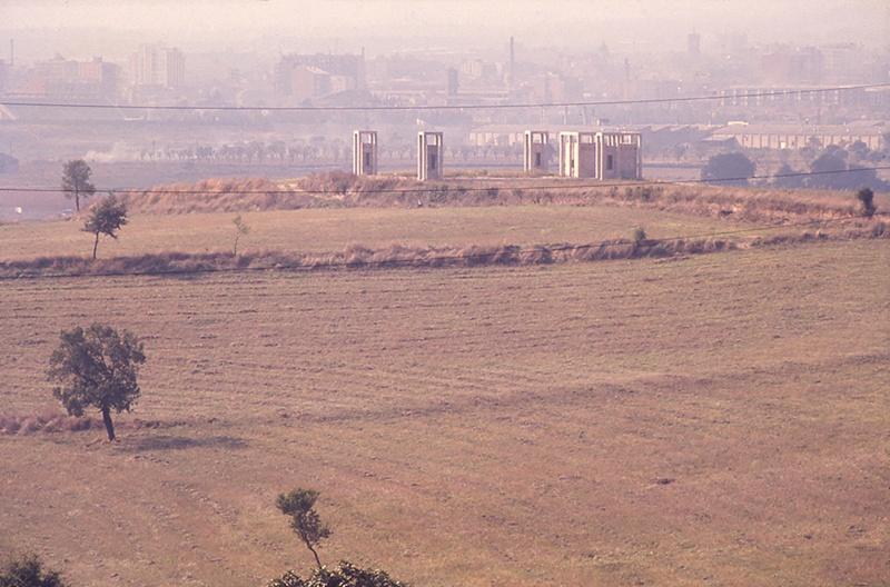 Torres de Acceso y Ventilación de un Depósito de Agua Subterráneo