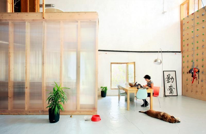 Dwelling and Workshop at Lidia Cinema