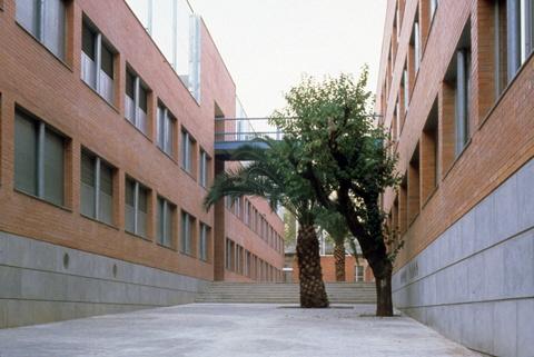 L'Alzina Schools Complex