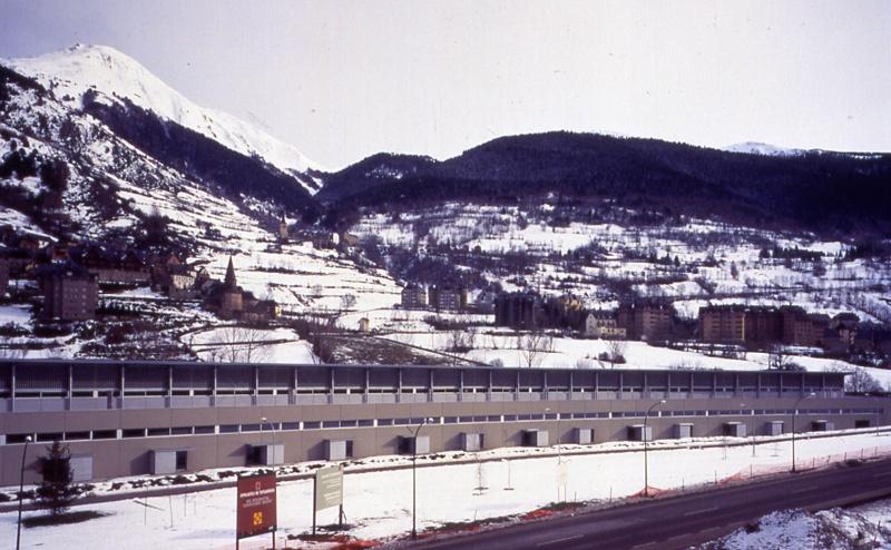Vielha Industrial Building