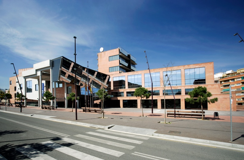 Gavà Town Hall and Josep Soler Vidal Library