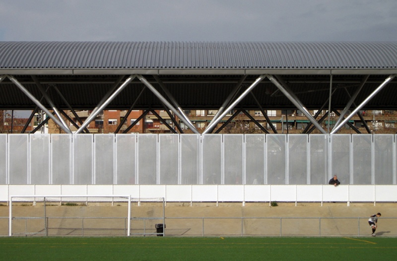 Clot de la Mel Hockey Pitch Roof and Enclosure