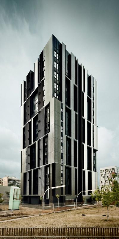 Torre d'Habitatges Socials a la Plaça Europa