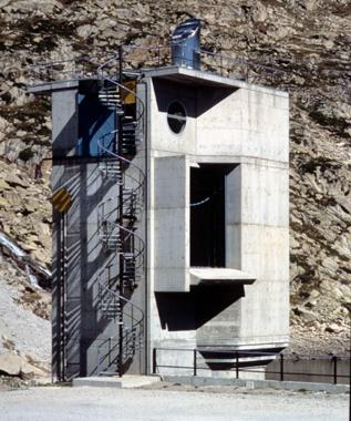 Gento Reservoir Floodgates