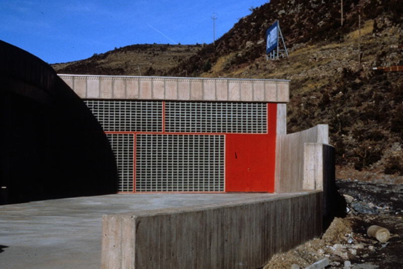 Cadí Tunnel Maintenance and Control Building