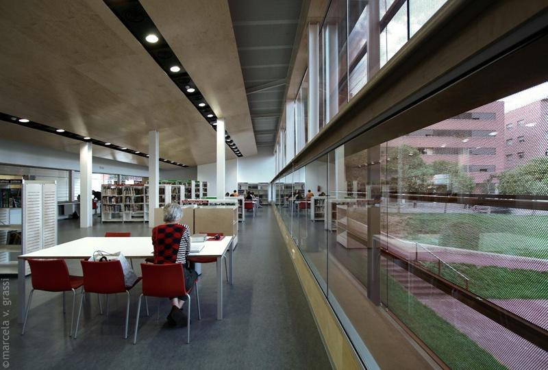 Biblioteca Les Roquetes
