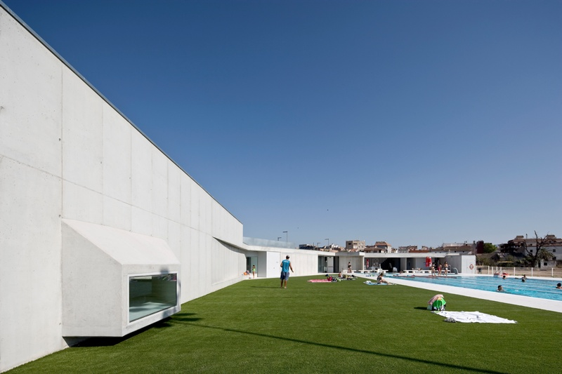 Jesús Swimming Pool, Changing Rooms and Sports Court