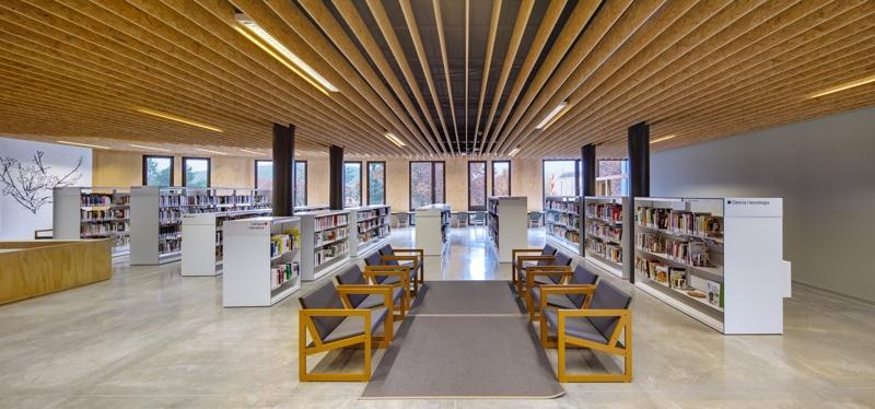El Roure Arts Centre and La Ginesta Library