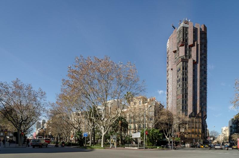 Urquinaona Tower