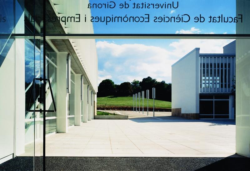 Facultad de Ciencias Económicas y Empresariales de la UdG