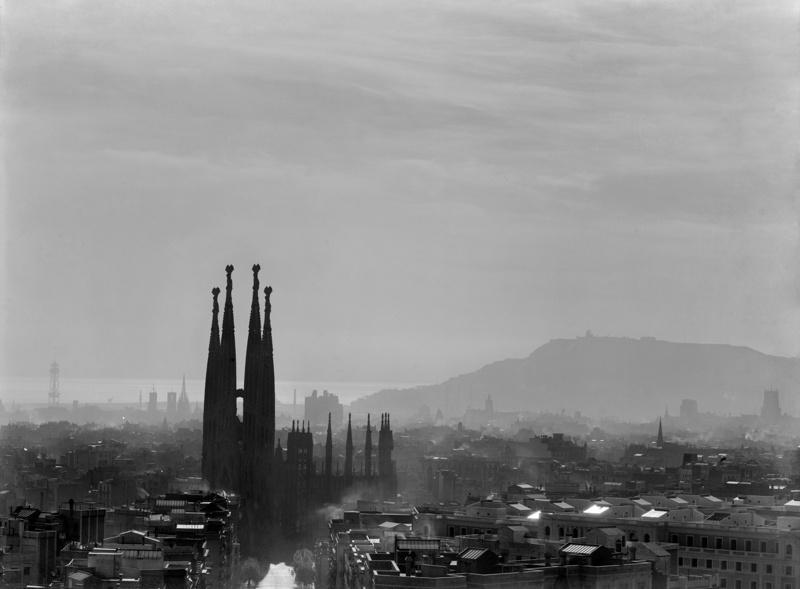 Restauració de la Cripta i Continuació de les Obres del Temple Expiatori de la Sagrada Família