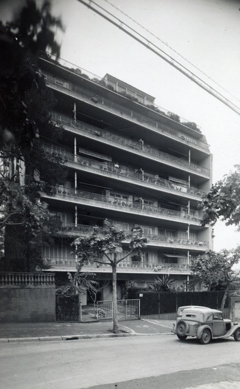 Amigó Apartment Building