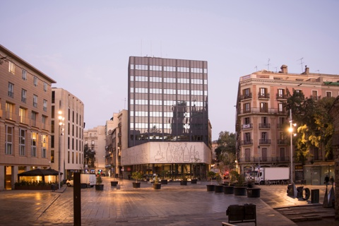 Renovation of the Façade of the Architects' Association of Catalonia (COAC)