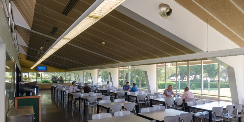 Lecture Rooms and Bar for the Law Faculty of the UB