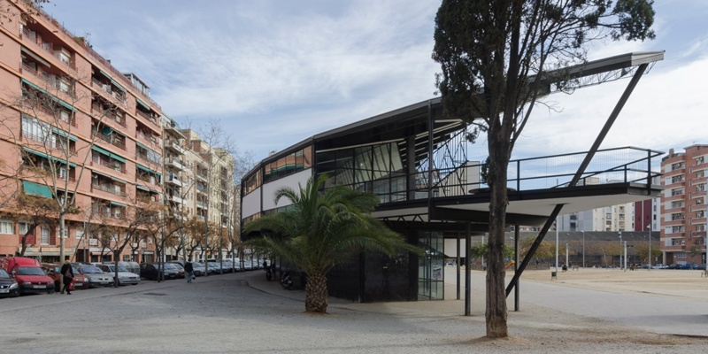 Rehabilitation and Remodelling of the Meridiana Greyhound Racing Track