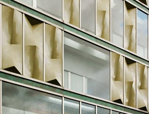 Reforma y Adecuación del Edificio Banca Catalana para Hotel