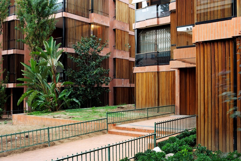 Banco Urquijo Housing Complex