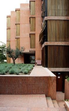 Banco Urquijo Housing Complex