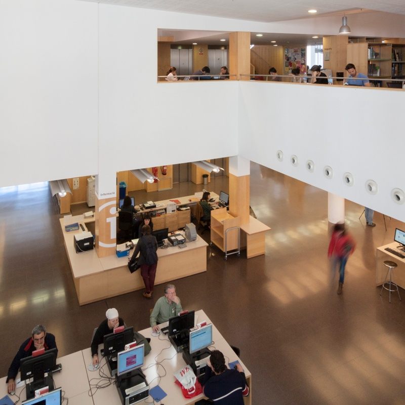Jaume Fuster Library