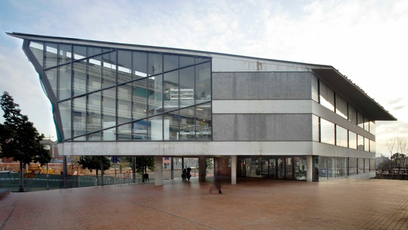 Biblioteca Pública Montserrat Roig