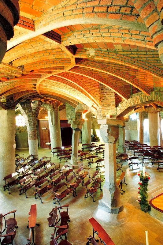 Restauración y Nueva Cubierta de la Cripta de la Colonia Güell
