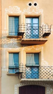 Restauración de la Fachada y Rehabilitación del Ático de la Casa Ximenis