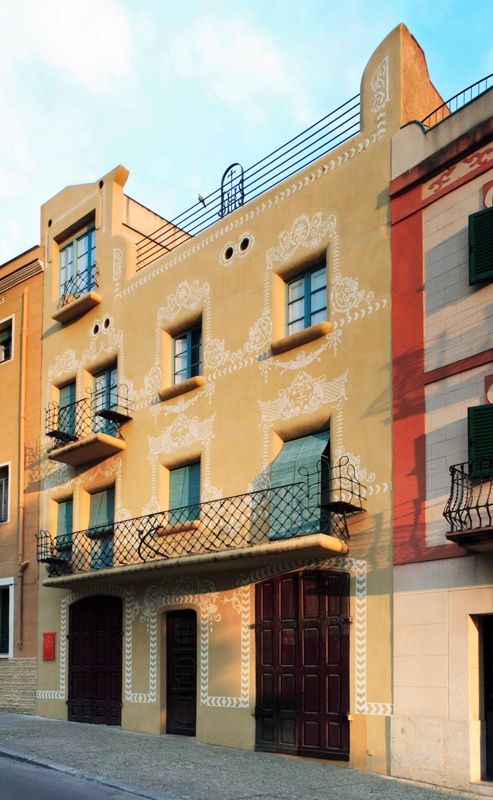 Restauració de la Façana i Rehabilitació de l'Àtic de la Casa Ximenis