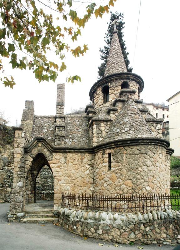 Sant Miquel de la Roqueta Chapel