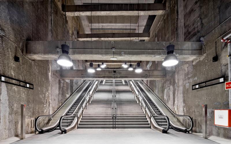 Estaciones de Metro L9: Mercabarna, Parc Logístic y Europa-Fira