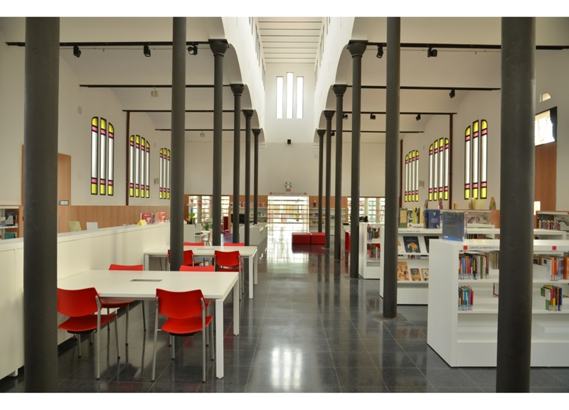 Antoni Comas Library in the Old Abattoir Building