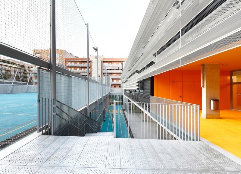 Multipurpose Public Building in Sant Martí