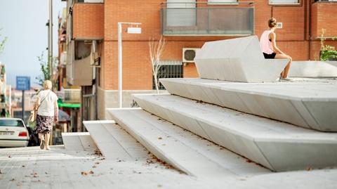 Reurbanization of Prat de la Riba Avenue and Enric Morera Square