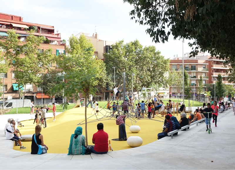 Urban Development of Green Spaces on Verdi Mònaco Streets