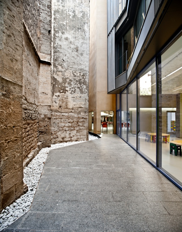 Ciutat Vella Educational Resource Centre