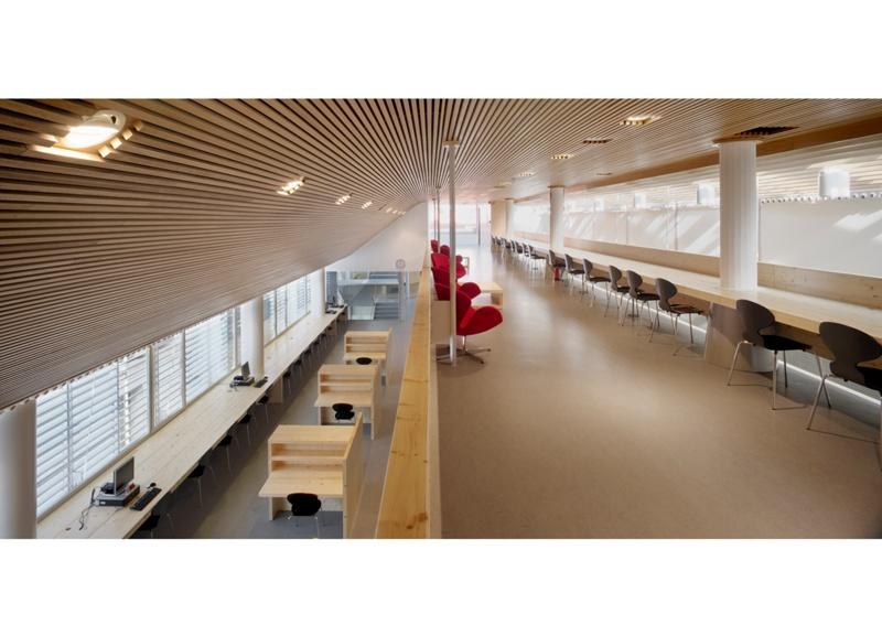 Biblioteca Marta Mata a l'Edifici Titan
