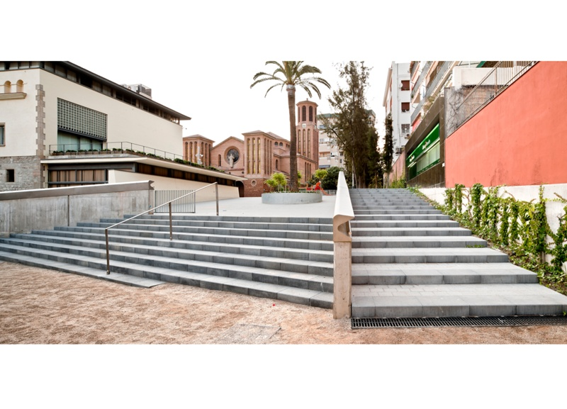 Transformation of Public Spaces Around Esplugues Town Hall and Main Road
