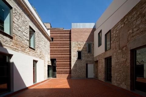 Restauració de la Fàbrica de la Moneda 'La Seca' per a l'Espai Escènic Brossa