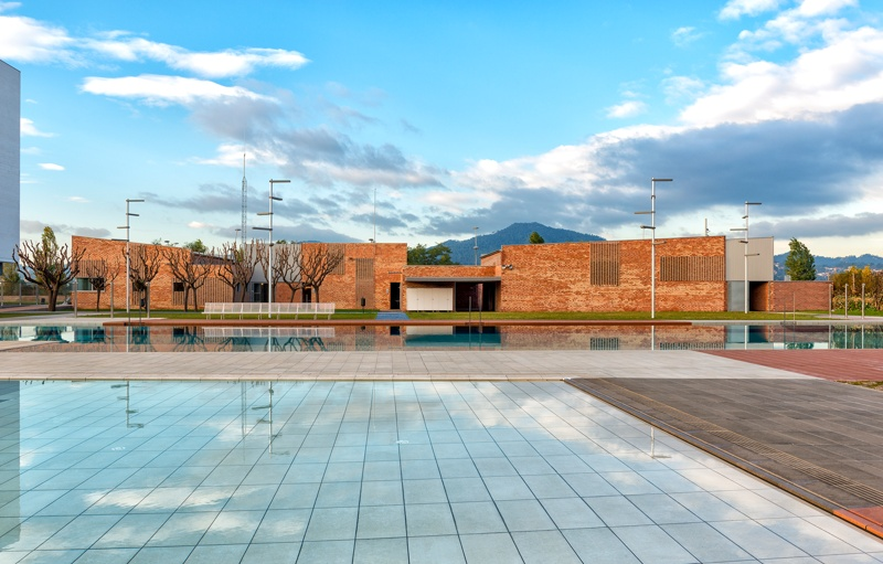 L'Escorxador Municipal Swimming Pool